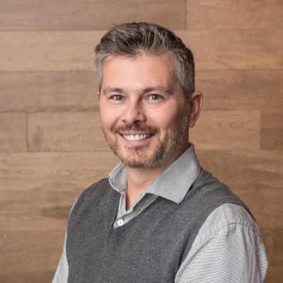 Pierre Jobin, Représentant des ventes etservice après-vente